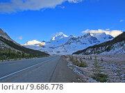 Купить «highway glacier motorway columbia icefield», фото № 9686778, снято 17 июля 2019 г. (c) PantherMedia / Фотобанк Лори