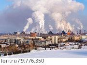 Купить «Экологическая проблема загрязнения окружающей среды и воздуха в крупных городах», фото № 9776350, снято 7 февраля 2015 г. (c) Евгений Ткачёв / Фотобанк Лори
