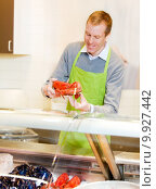 Купить «Lobster at Grocery Store», фото № 9927442, снято 19 сентября 2018 г. (c) PantherMedia / Фотобанк Лори