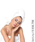 Купить «Sexy in Towel», фото № 9938798, снято 15 сентября 2019 г. (c) PantherMedia / Фотобанк Лори