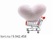 Купить «heart shopping cart», фото № 9942458, снято 27 июня 2019 г. (c) PantherMedia / Фотобанк Лори