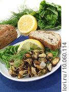 Купить «seafood lemon shells dill marinated», фото № 10060114, снято 10 июля 2020 г. (c) PantherMedia / Фотобанк Лори