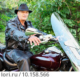 Купить «Middle-Aged Man Riding Motorcycle», фото № 10158566, снято 23 июля 2019 г. (c) PantherMedia / Фотобанк Лори