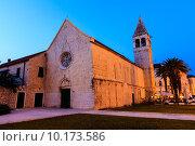 Купить «Illuminated Church of Saint Dominic in Trogir at Night, Croatia», фото № 10173586, снято 18 февраля 2019 г. (c) PantherMedia / Фотобанк Лори