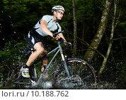 Купить «man outdoor bike bicycle cycle», фото № 10188762, снято 27 апреля 2018 г. (c) PantherMedia / Фотобанк Лори