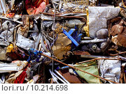 Купить «iron scrap metal compacted to recycle», фото № 10214698, снято 25 сентября 2018 г. (c) PantherMedia / Фотобанк Лори