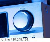 Купить «Volume knob on a hifi amplifier», фото № 10248134, снято 18 июля 2018 г. (c) PantherMedia / Фотобанк Лори