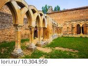 Купить «cloister of San Juan de Duero Monastery», фото № 10304950, снято 18 июня 2019 г. (c) Яков Филимонов / Фотобанк Лори