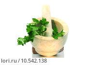 Купить «parsley mortar carrots pestle basilicum», фото № 10542138, снято 5 июля 2020 г. (c) PantherMedia / Фотобанк Лори