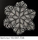 Купить «Crocheted lace napkin», фото № 10597734, снято 22 июля 2015 г. (c) Ярочкин Сергей / Фотобанк Лори