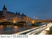 Купить «Pont au change, Paris, France», фото № 10669078, снято 19 июня 2019 г. (c) PantherMedia / Фотобанк Лори