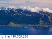 Купить «Scenic mountain range», фото № 10709350, снято 23 марта 2019 г. (c) PantherMedia / Фотобанк Лори