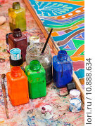 paintbrushes, bottles with color pigments. Стоковое фото, фотограф Valery Vvoennyy / PantherMedia / Фотобанк Лори