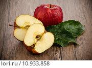 Apples closeup. Стоковое фото, фотограф Carlos Santos / PantherMedia / Фотобанк Лори