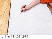 artist draws pencil pattern on silk. Стоковое фото, фотограф Valery Vvoennyy / PantherMedia / Фотобанк Лори