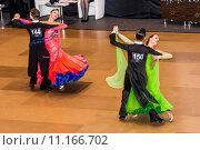Купить «Competitors dancing slow waltz on  the dance conquest», фото № 11166702, снято 25 марта 2019 г. (c) PantherMedia / Фотобанк Лори