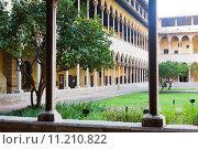 Купить «Gothic cloister of Pedralbes Monastery at Barcelona», фото № 11210822, снято 26 мая 2018 г. (c) Яков Филимонов / Фотобанк Лори