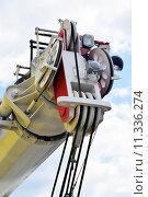 Купить «Стрела гидравлического крана», фото № 11336274, снято 13 апреля 2014 г. (c) Сергеев Валерий / Фотобанк Лори
