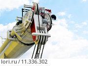 Купить «Стрела гидравлического крана», фото № 11336302, снято 13 апреля 2014 г. (c) Сергеев Валерий / Фотобанк Лори