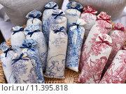 Купить «Bags with lavender on market», фото № 11395818, снято 17 октября 2018 г. (c) PantherMedia / Фотобанк Лори