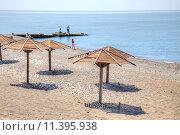 Купить «Адлер. Пляж», фото № 11395938, снято 28 апреля 2015 г. (c) Parmenov Pavel / Фотобанк Лори
