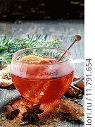 Купить «Hot cup of spiced hot tea or gluhwein», фото № 11791654, снято 18 октября 2019 г. (c) PantherMedia / Фотобанк Лори