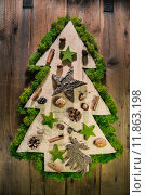 Купить «Christmas tree decorated with natural material from the forest.», фото № 11863198, снято 18 июня 2019 г. (c) PantherMedia / Фотобанк Лори
