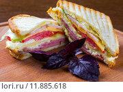 Купить «club sandwich , clubhouse sandwich», фото № 11885618, снято 23 июля 2018 г. (c) PantherMedia / Фотобанк Лори