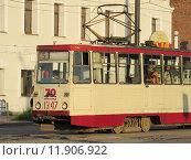 Купить «Трамвай едет по маршруту в г.Челябинске», эксклюзивное фото № 11906922, снято 12 июля 2020 г. (c) Елена Осетрова / Фотобанк Лори