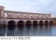 Плотина Угличской ГЭС (2015 год). Стоковое фото, фотограф Александр Щепин / Фотобанк Лори