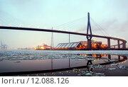 Купить «winter bridge floes incinerator elbe», фото № 12088126, снято 26 апреля 2019 г. (c) PantherMedia / Фотобанк Лори