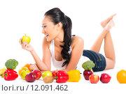 Купить «Asian Chinese woman eating fresh fruit», фото № 12091462, снято 21 января 2019 г. (c) PantherMedia / Фотобанк Лори