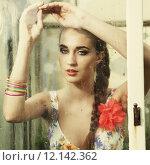 Купить «girl behind wet window», фото № 12142362, снято 21 января 2019 г. (c) PantherMedia / Фотобанк Лори