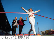 Купить «business people running on racing track», фото № 12199186, снято 13 ноября 2019 г. (c) PantherMedia / Фотобанк Лори