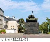 Купить «Памятник танку Т-34. Минск», фото № 12212478, снято 9 августа 2015 г. (c) Владимир Макеев / Фотобанк Лори
