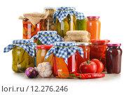 Купить «Composition with jars of pickled vegetables. Marinated food», фото № 12276246, снято 10 июля 2020 г. (c) PantherMedia / Фотобанк Лори