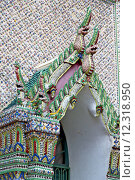 Купить «dragon   in  gold    temple    bangkok  thailand incision», фото № 12318950, снято 23 марта 2019 г. (c) PantherMedia / Фотобанк Лори