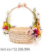 Купить «basket decorated with flowers», фото № 12336994, снято 18 февраля 2019 г. (c) PantherMedia / Фотобанк Лори