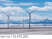 Купить «Wind Turbines with Rocky Mountains in the Winter», фото № 12415202, снято 17 октября 2018 г. (c) PantherMedia / Фотобанк Лори