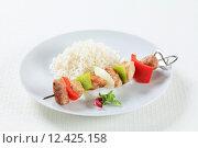 Купить «Shish kebabs with rice», фото № 12425158, снято 21 мая 2018 г. (c) PantherMedia / Фотобанк Лори