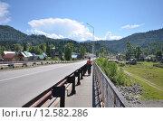 Купить «Вид на мост через реку Бийя», фото № 12582286, снято 4 августа 2014 г. (c) Александр Карпенко / Фотобанк Лори