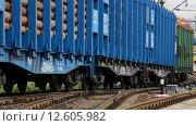 Купить «Вагоны ранжируются на сортировочной горке», видеоролик № 12605982, снято 2 сентября 2015 г. (c) Виталий Зверев / Фотобанк Лори