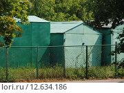 Купить «Металлические гаражи в Чертанове в Москве», эксклюзивное фото № 12634186, снято 24 июля 2010 г. (c) lana1501 / Фотобанк Лори