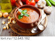 Купить «Гаспачо - итальянский холодный суп из помидоров», фото № 12643182, снято 5 сентября 2015 г. (c) Надежда Мишкова / Фотобанк Лори