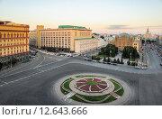 Купить «Лубянская площадь», эксклюзивное фото № 12643666, снято 12 августа 2015 г. (c) Алёшина Оксана / Фотобанк Лори