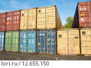 Купить «Грузовые контейнеры», эксклюзивное фото № 12655150, снято 7 мая 2015 г. (c) Алёшина Оксана / Фотобанк Лори