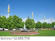 Купить «Москва, ВДНХ (ВВЦ) весной», эксклюзивное фото № 12659710, снято 20 мая 2015 г. (c) Елена Коромыслова / Фотобанк Лори