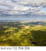 Тихая осень в тайге, вид сверху. Стоковое фото, фотограф Владимир Мельников / Фотобанк Лори