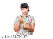 Уставшая женщина с посудой в руке, изолированных на белом фоне. Стоковое фото, фотограф Вячеслав Волков / Фотобанк Лори