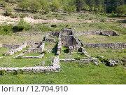 Купить «Руины древних строений, Черногория», фото № 12704910, снято 2 мая 2013 г. (c) Надежда Болотина / Фотобанк Лори
